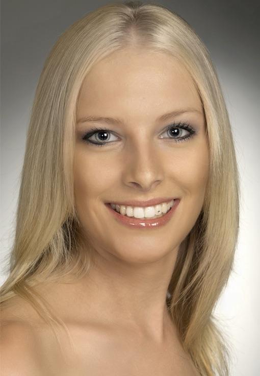 Miss Erin Kerr